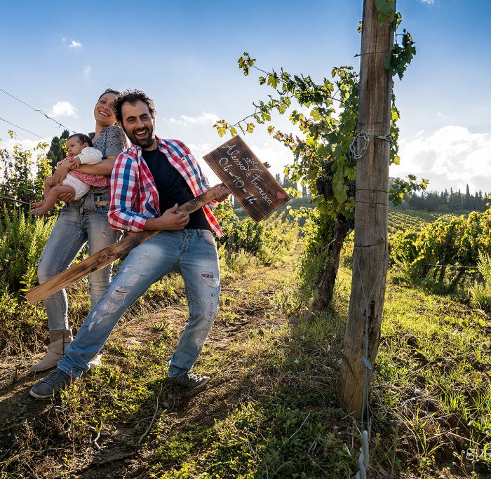 Save the date Alessio & Francesca + Viola - Country Style in Tuscany
