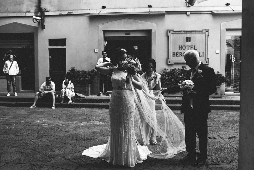35-fotografo-matrimonio-firenze-chiesa-santi-apostoli