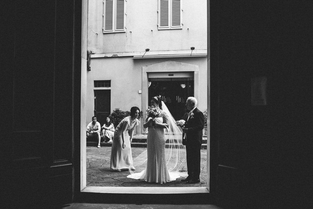 36-fotografo-matrimonio-firenze-chiesa-santi-apostoli