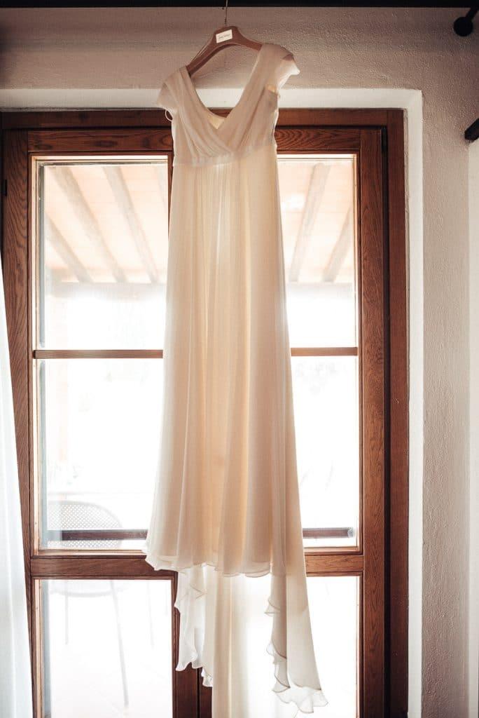 2-convento-montepozzali-abito-sposa-1
